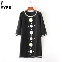 Fashion Brand Women O Neck Dress Short Sleeve Daisy Embrodery Appliques Loose Casual Pullover Dresses Vestidos