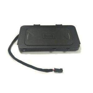 Image 3 - 10 вт автомобильное беспроводное зарядное устройство QI, беспроводное зарядное устройство для мобильного телефона, автомобильные аксессуары для VW T roc Teramont Phideon для Jetta 2019