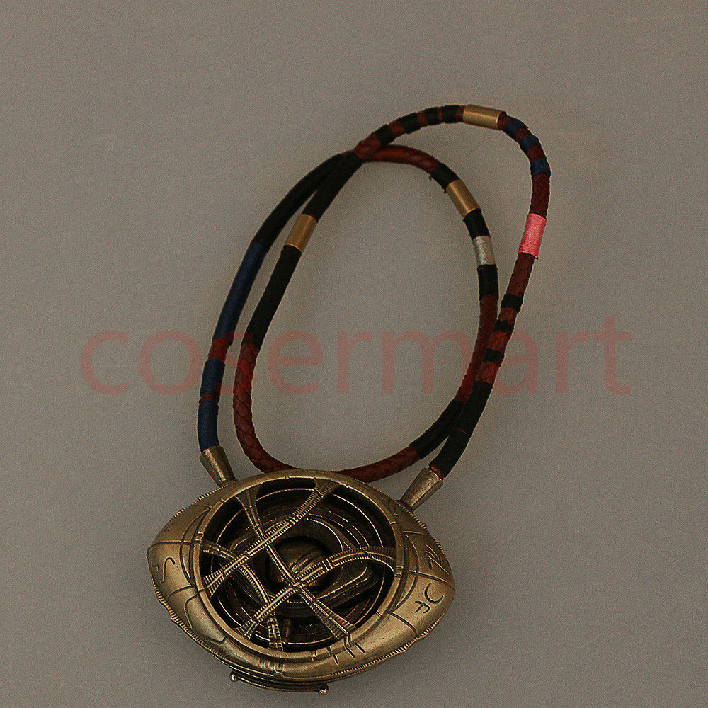 Doctor Strange Necklace Cos Steve Eye of Agamotto Necklace Eyes Can Open Cosplay Props New