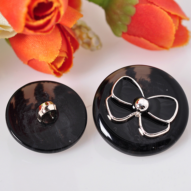 20pcs Eco Friendly Resin Coat Button Fashion Black White Bow Buttons For Women Clothes Decorative Botones DIY Sewing C3 30 in Buttons from Home Garden