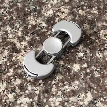 Nowy kreatywny przyspieszyć obrót metalowe ręcznie Spinner ze stopu cynku Fidget Spinner w celu złagodzenia autyzm ADHD dekompresyjny dla dorosłych zabawki tanie i dobre opinie FPJ TOYS 6 lat Accelerate Rotation DIY Hand Spinner Fidger Spinner Metal Spinner Toy Fidget Spinner Fidget Quit Smoking Stress Relief Anti Anxiety Treat ADHD ADD