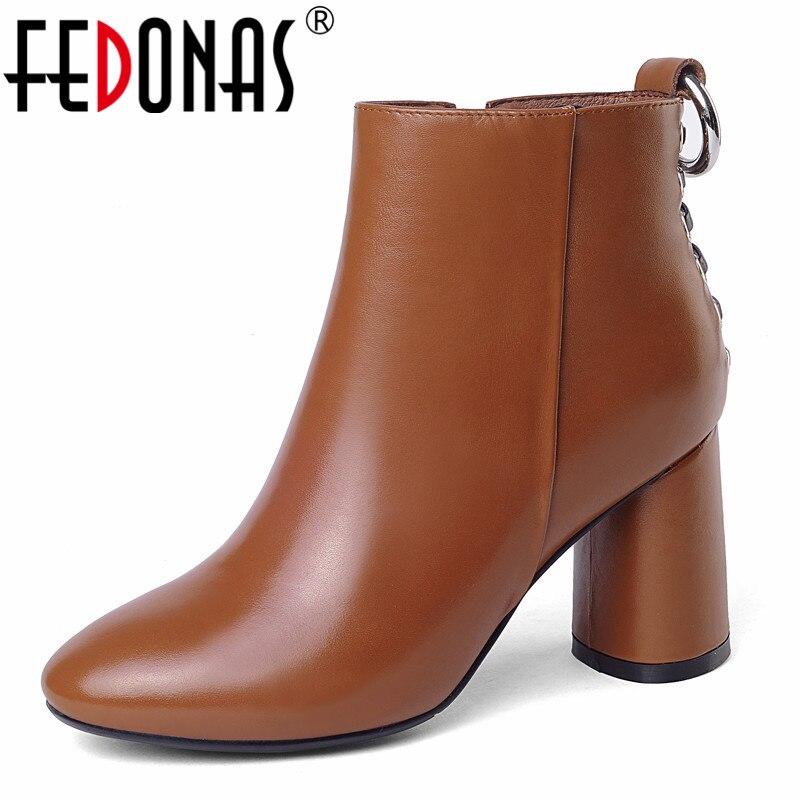 Base Neige Rivets Talons Plates Chaussures Marque Bottes Femmes formes Femme De Fedonas Martin Hiver Rond Noir Automne Bout Court Dames 1 Hauts wqf0EnHSx