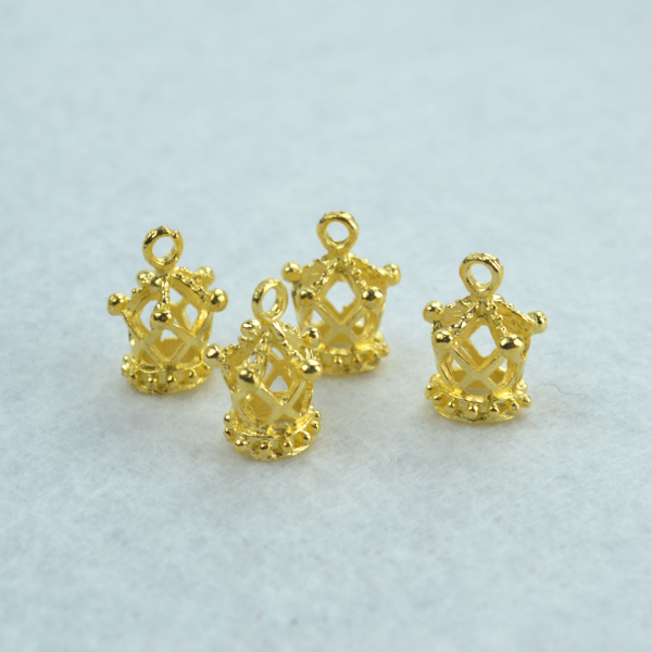 50pcs charm fashion gold crown pendants jewelry findings and components fit Necklaces and bracelets making Z142087