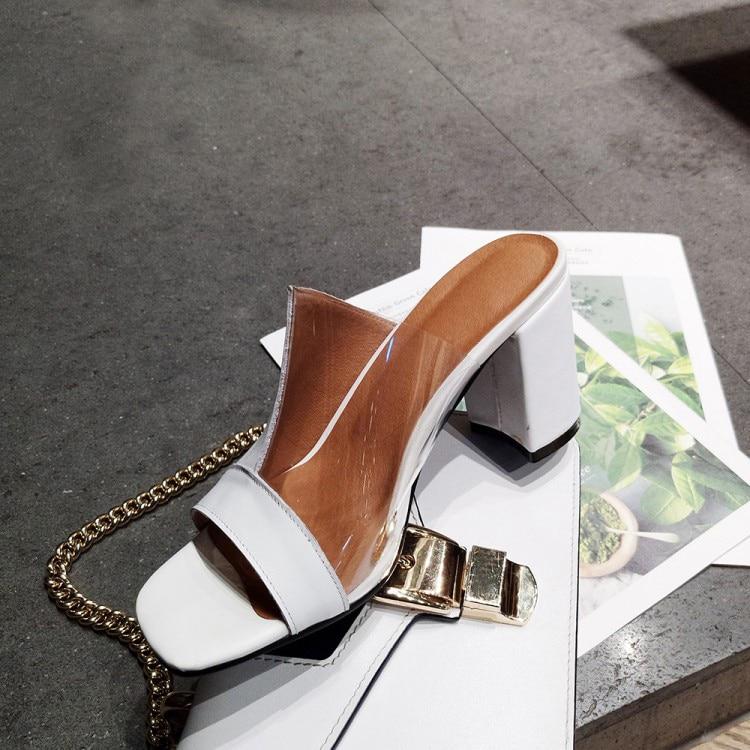 Модные тапочки на квадратном каблуке с открытым носком; женские пикантные босоножки без шнуровки на каблуке; модные белые босоножки из искусственной кожи в стиле пэчворк на массивном каблуке - 3