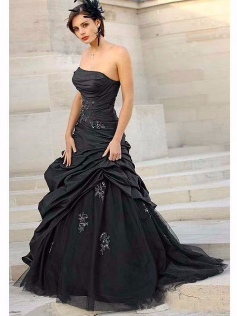 33e9d12428b Black Gothic A-line Wedding Dresses 2019 Strapless Taffeta Ruched Non White  Vintage Colorful Wedding Gowns Robe De Mariee Corset