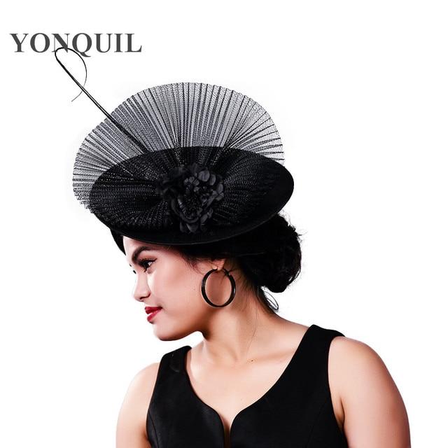 Elegantes Sombreros de novia de malla punteada y fascinadores para mujer  velo de plumas de fiesta fbbb22d56cd