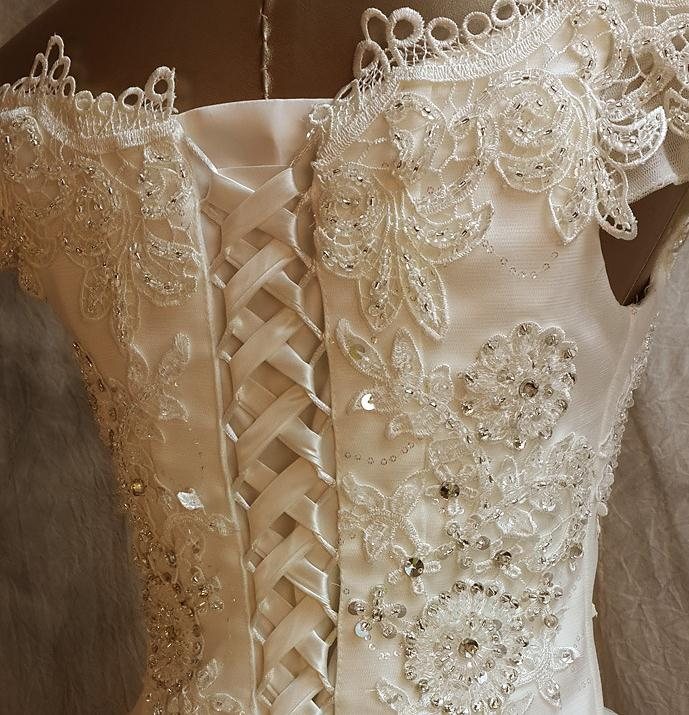United Wedding Lace Short 8