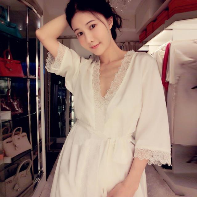 Resorte Libre del envío de Las Mujeres Bata sexy ropa de Dormir Camisón de Seda Real traje de Dos Piezas Set pijama party