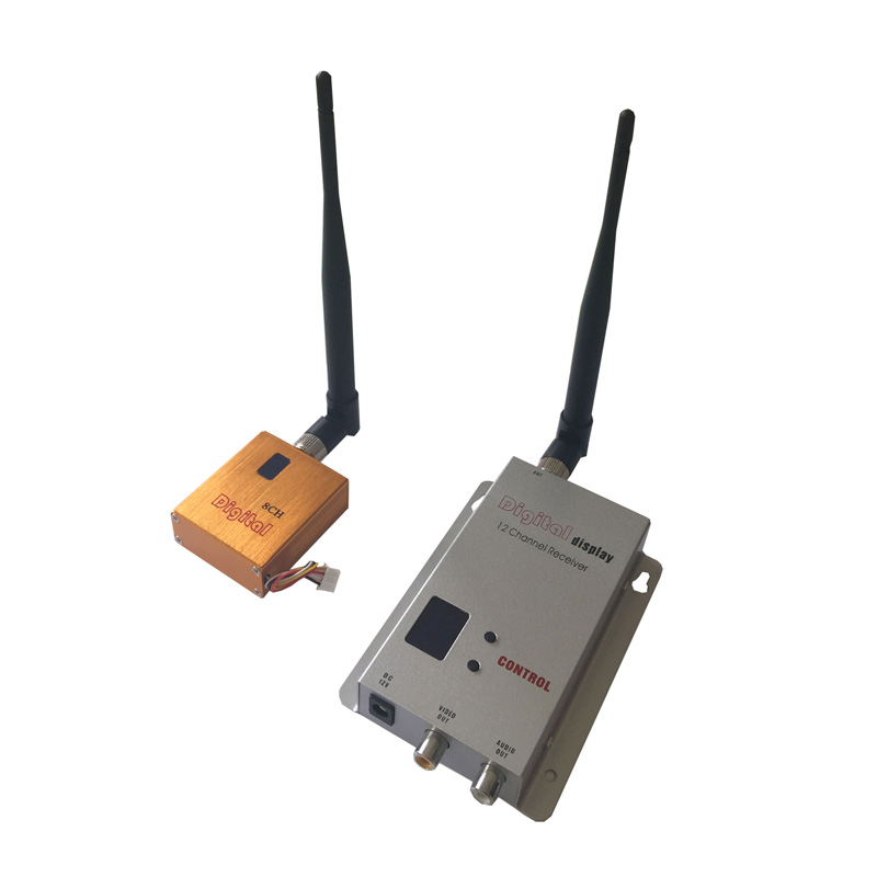 Wireless CCTV Sender 1.2GHz 800mW Long Range Wireless Video Audio Transmitter with 8 Channels 1000-1600m Range High Quality