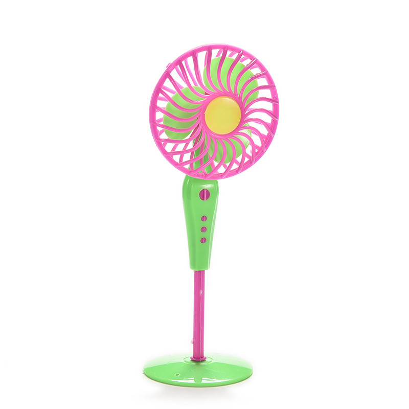 Cute Mechanical Fan Toys For Dolls Classic Kids Play House Toys Doll Accessories Random Color Fan Furniture For Dolls