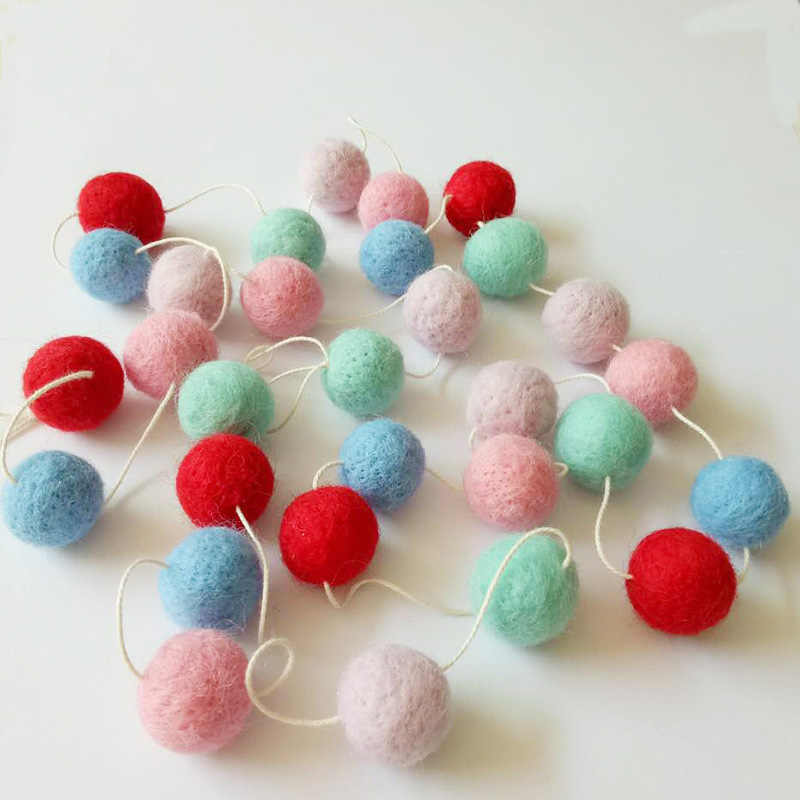 ใหม่ Wool Felt Ball เครื่องประดับแขวนผนัง Handmade Pom Pom Garland Kids Room Nursery ตกแต่ง SF66