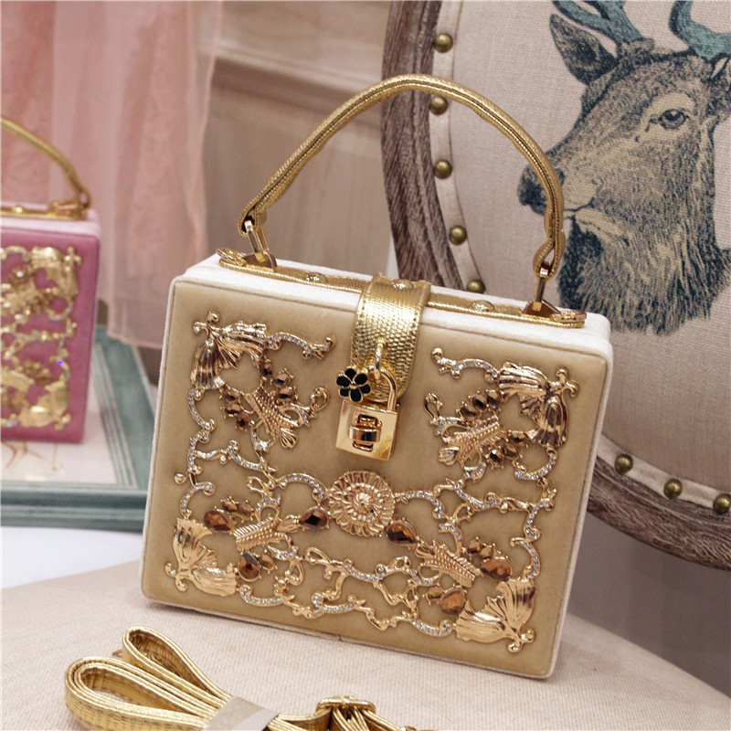 Special offer every day 2018 new spring fashionista diamond suede portable Shoulder Messenger Bag dinner box fishing joy every day 480g