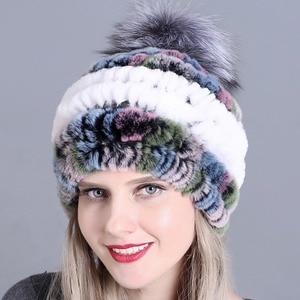 Image 5 - 冬の毛皮の帽子でリアルレックスウサギの毛皮の帽子キツネの毛皮のポンポン毛皮ニットビーニー 2018 新ファッション良質キャップ