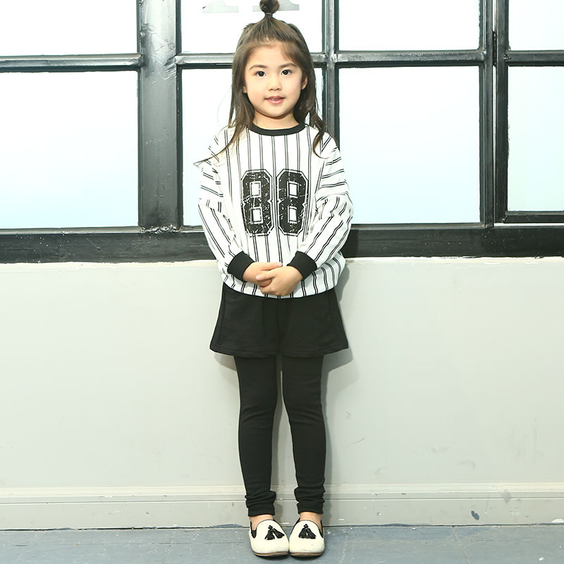 ФОТО Childre Girls Clothing Sets 2017spring New Girls 2-7-year-old Cotton Printed Stripes Suit Baby Girls Clothes Sets