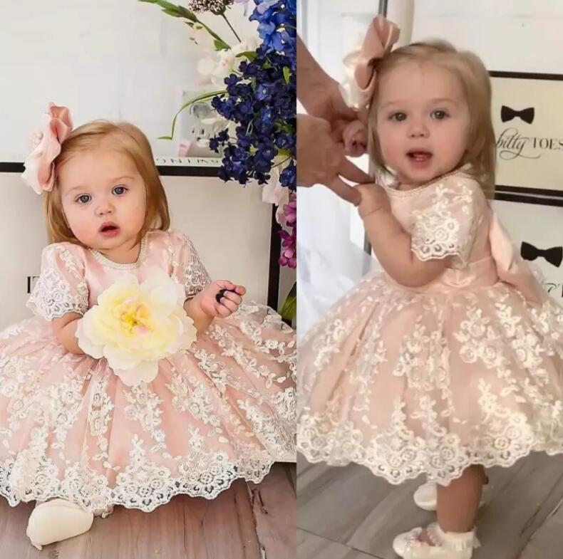 New Pink White Lace Baby Girls Birthday Gown Knee Length with Big Bow Toddler Flower Girls Dresses Custom Baby Dress