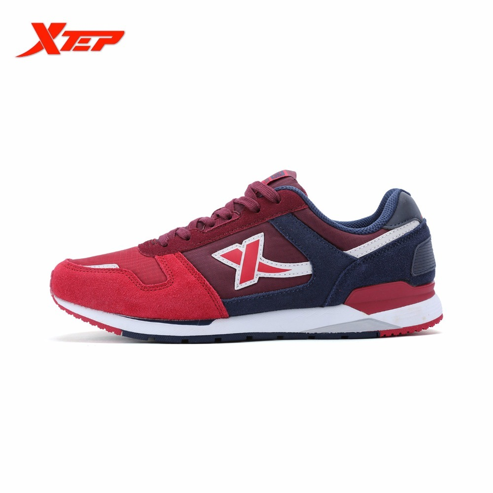цена XTEP Brand Men's Retro sports Light Leather Men Running Shoes Damping Runner Athletic Sneaker онлайн в 2017 году