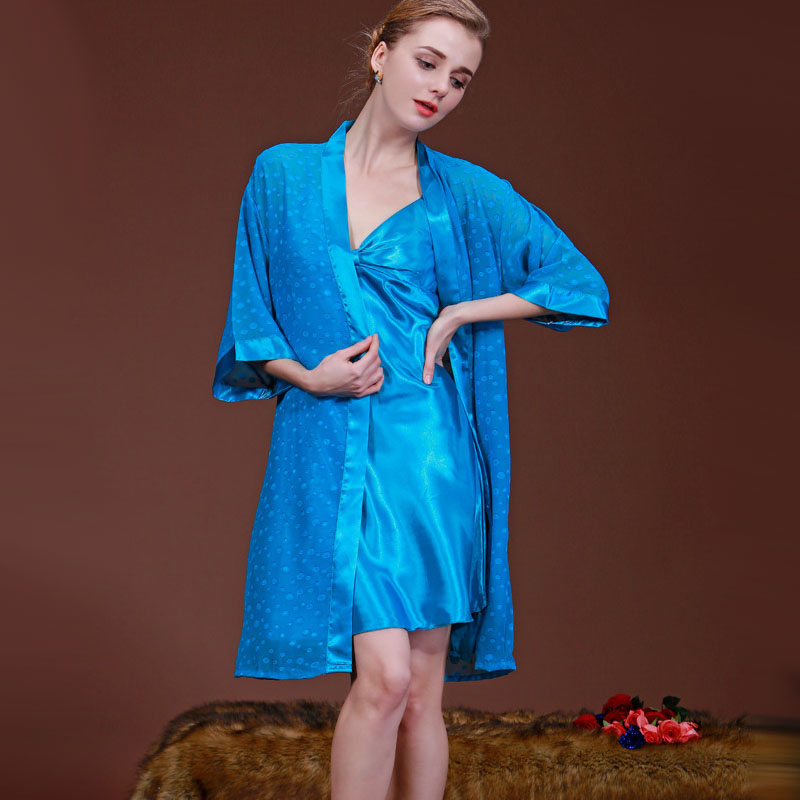 41ce526c2e Aliexpress.com  Comprar Yinsilaibei Thin pijama mujer Pijamas Mujer seda  dama Albornoces satén kimono Albornoz camisón de dormir vestido noche sy004   10 de ...