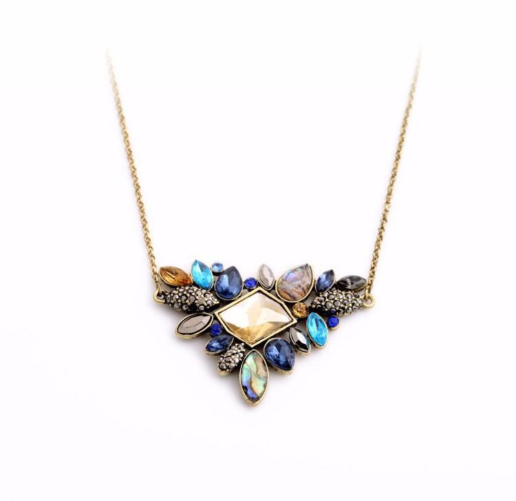 Rhinestone vintage necklace - plain background