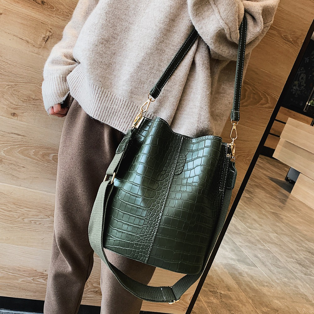 Vintage leather Stone Pattern Crossbody Bags For Women 2019 New Shoulder Bag Fashion Handbags and Purses Zipper Bucket Bags-in Shoulder Bags from Luggage & Bags