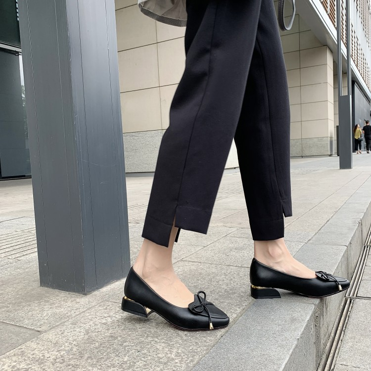 Big Size 9 10 11 12 Ladies High Heels Women Shoes Woman Pumps Pure pointed bowknot shallow thick-heeled single shoesBig Size 9 10 11 12 Ladies High Heels Women Shoes Woman Pumps Pure pointed bowknot shallow thick-heeled single shoes