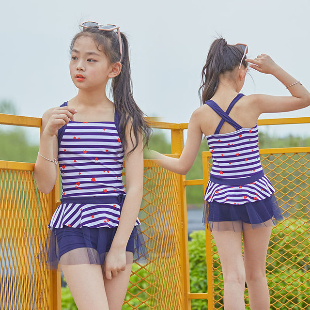 a827818e40d54 2018 Girls Swimsuit Cute Cartoon Bathing Kids Swimwear Tankinis Baby Girl  Bikini Children Beach Wear sw710