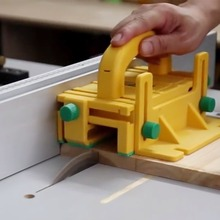 цена 3D Safety Pusher Woodworking Flip Table Planer Vertical Milling Flat Planer Wood Cutting Table Saw Pusher Safe Feeder Wood Tools онлайн в 2017 году