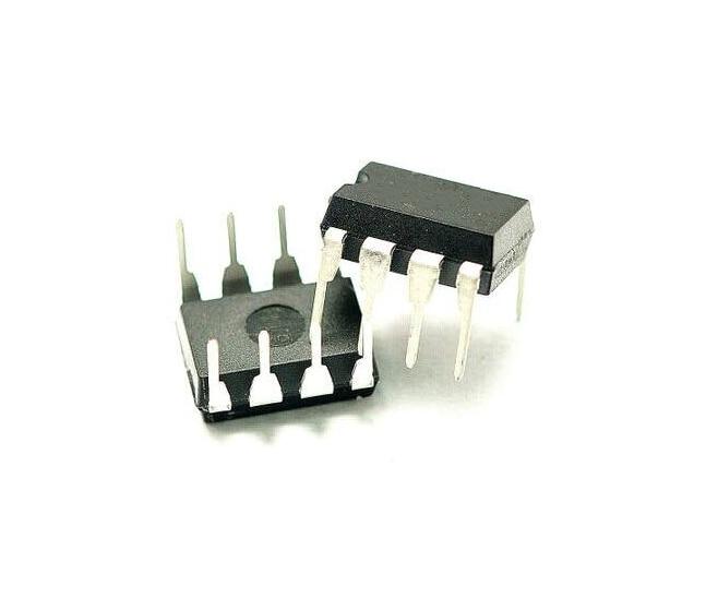 UPC842C DIP8 pins new original spot to ensure quality