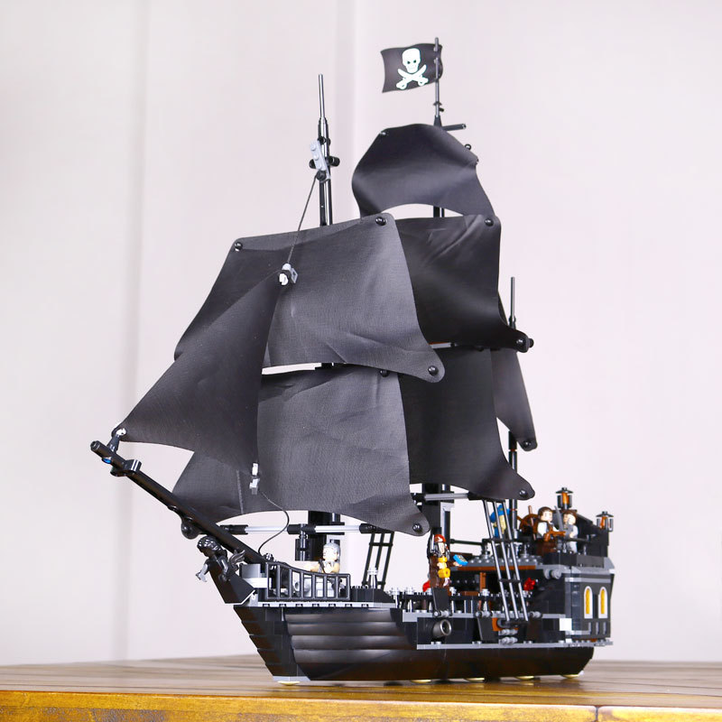 Lepin 16009 Caribbean Queen Anne's revenge + 16006 The Black Pearl Pirate Toys Building Blocks 4195 Boy's Gift Free Shipping lepin 16009 caribbean blackbeard queen anne s revenge mini bricks set sale pirates of the building blocks toys for kids gift