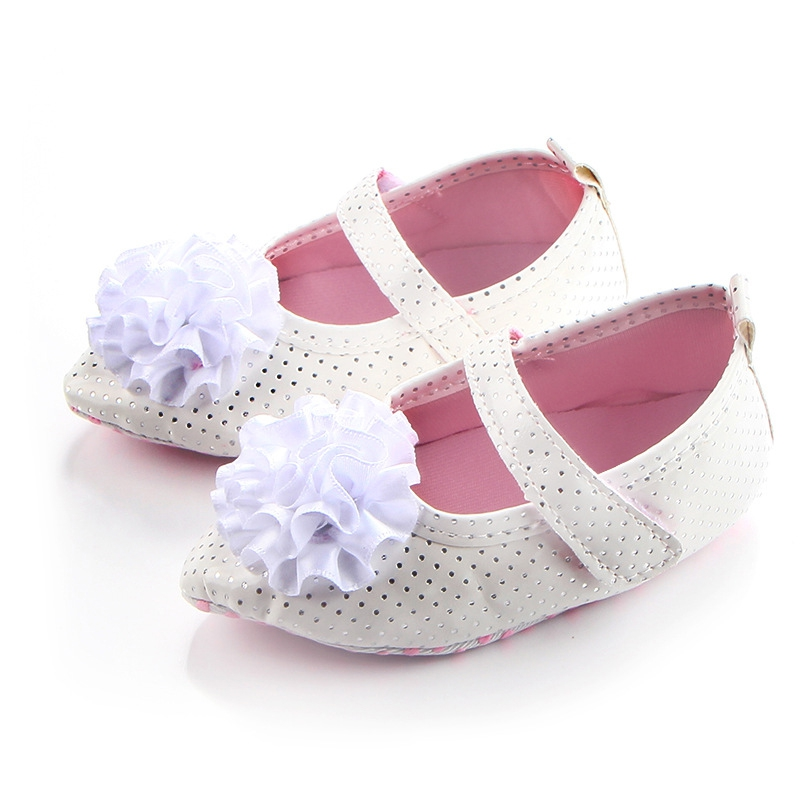 Soft Soled Crib Lace-up Shoes Non-slip Footwear Newborn Baby Girls Bow Leather First Walkers 2017