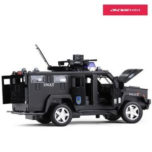 Image 5 - 1:32 משטרת SWAT נגד חטיפה משוריין רכב משאית סגסוגת רכב דגם עם מוסיקלי מהבהב למשוך בחזרה עבור תינוק צעצוע משלוח חינם