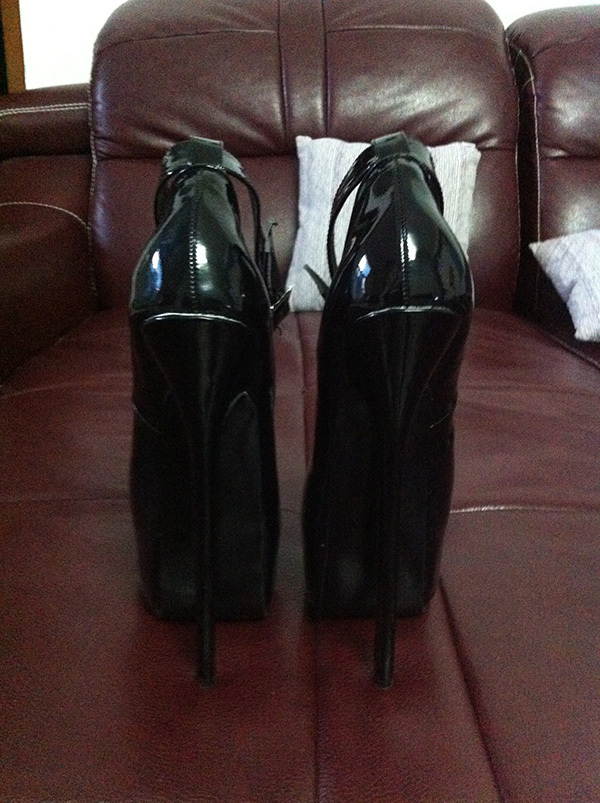 Sexy Fetish Patent Leather Pump Extreme High Heel 20cm