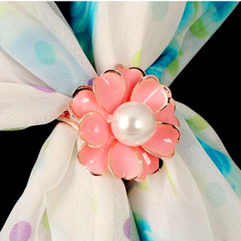 2019 ใหม่ที่ดีที่สุดแฟชั่นคุณภาพดี Tricyclic Camellias เลียนแบบไข่มุกผ้าพันคอผู้ถือผ้าพันคอเข็มกลัดคลิปเครื่องประดับ Fine ของขวัญ