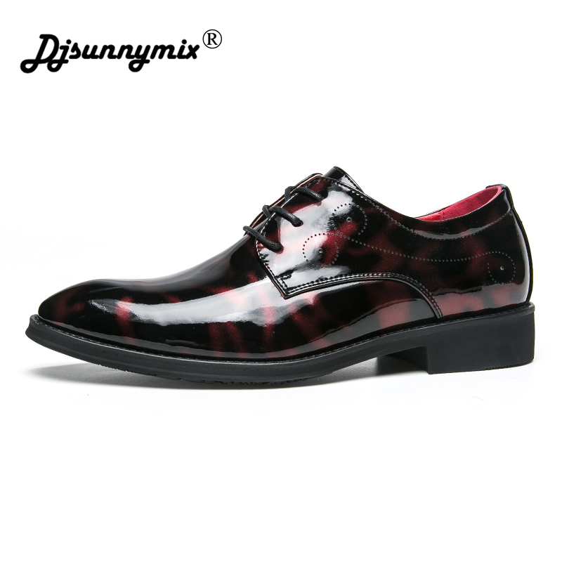 DJSUNNYMIX Brand Bright Leather Shoes Formal Business Men Oxfords Dress Shoes fashion British Brogue Shoes Mens Casual Shoes