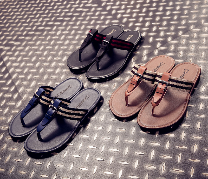 New Summer Fashion Soft Leather Sandals Outdoor Casual Beach Shoes Slip Solid Color Cool Slippers Men