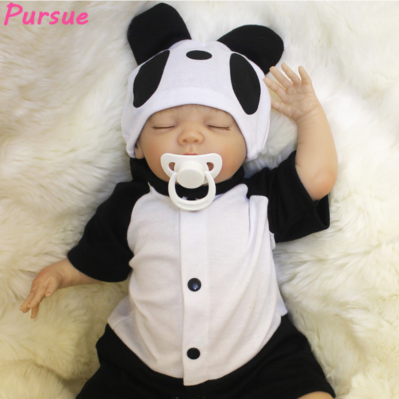 Pursue Reborn Baby Lifelike Newborn Baby Doll Panda Eat Bamboo Soft Vinyl Cloth Body Realisitc Infant Doll Weighted for Cuddle pursue 22 56 cm soft body vinyl silicone reborn lifelike poseable baby princess boy doll cloth body weighted toddler doll toys