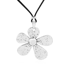 1pcs Antique Silver Large Hammered Charms Flower Pendant Collar Black Faux Suede Leather Rope Chain Necklace Jewelry