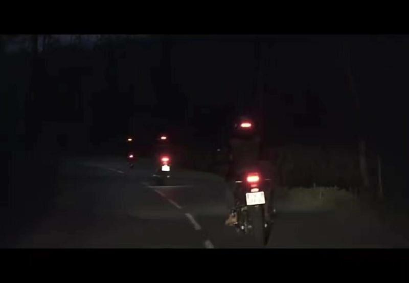 Universal Helmet Flashing Led Light Night Riding Adhesive Safety Blink rechageable  3