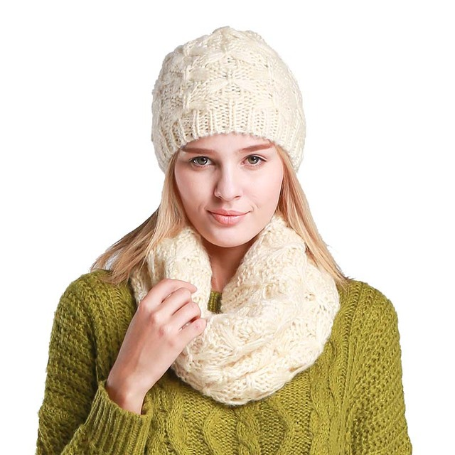 2018 nuevo conjunto de sombrero y bufanda para mujer invierno moda lana  tejido gorro de invierno 8be16b5857c