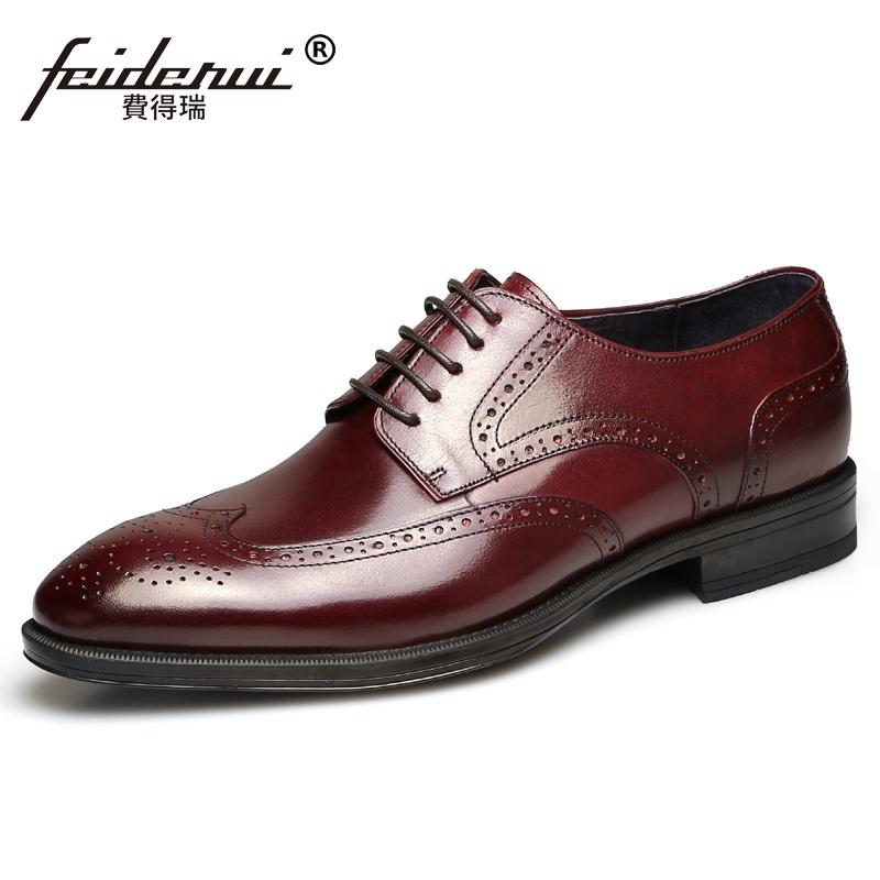 British Style Platform Man Carved Formal Dress Shoes Vintage Genuine Leather Brogue Oxfords Round Toe Men's Wing Tip Flats QC54 qmn women crystal embellished natural suede brogue shoes women square toe platform oxfords shoes woman genuine leather flats