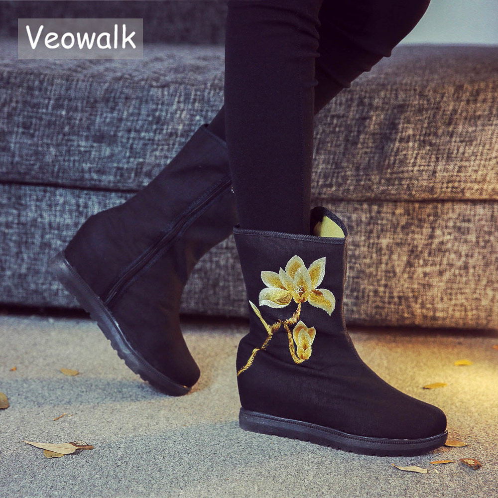 Veowalk New Handmade Chinese Painting Embroidered Women Casual Canvas Short Ankle Flat Boots Autumn Ladies Denim Cotton Shoes