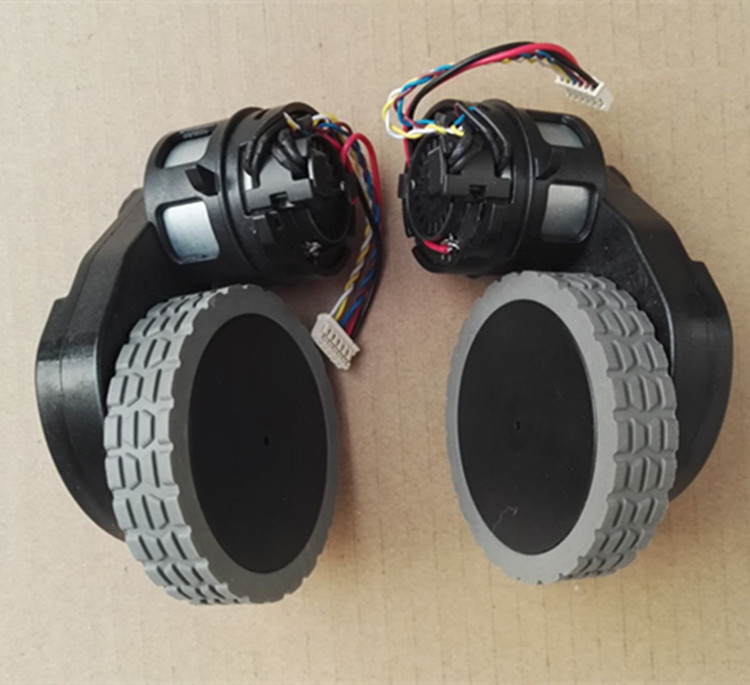 Original Right Left wheel with motor for robot vacuum cleaner Ecovacs Deebot DT85G robot Vacuum Cleaner Parts wheel motors original a380 left wheel and right wheel supply from the factory robot vacuum cleaner spare parts
