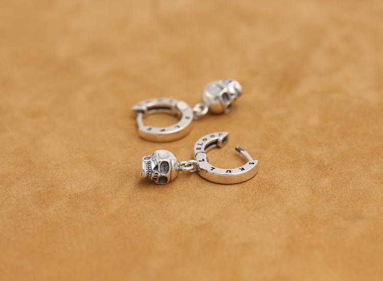 silver-earrings012c