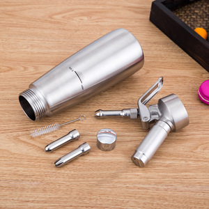 Image 2 - Kaliteli 500ML/1L Artisan krem şanti dispenseri, krem Whipper dekorasyon nozulları