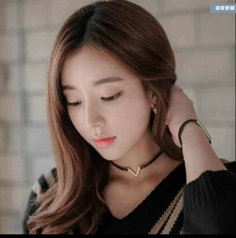 ファッションジュエリー V 形の幾何学ネックレスチョコレートネックレスパンクシンプルなスタイル黒ネックレス女性エレガントなショートネックレス