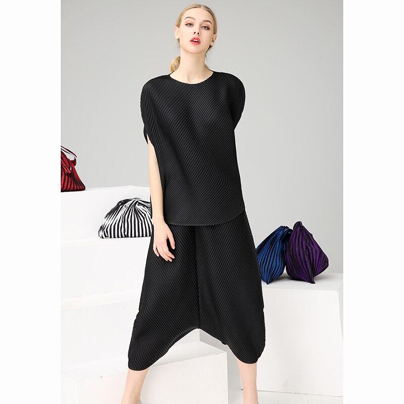 Azterumi Sommer Frauen Runway 2 Zwei Stück Set Spezielle Design Gefaltete Unregelmäßige Tops Harem Hosen Set Elegante Damen Verfeinert Anzug-in Damen-Sets aus Damenbekleidung bei  Gruppe 2