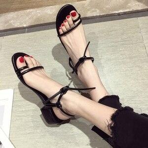 Zapatos de mujer, sandalias, cordones con puntera, zapatos de tacón alto de nuevo estilo, zapatos con tacón grueso y tacones medios para el verano de 2019