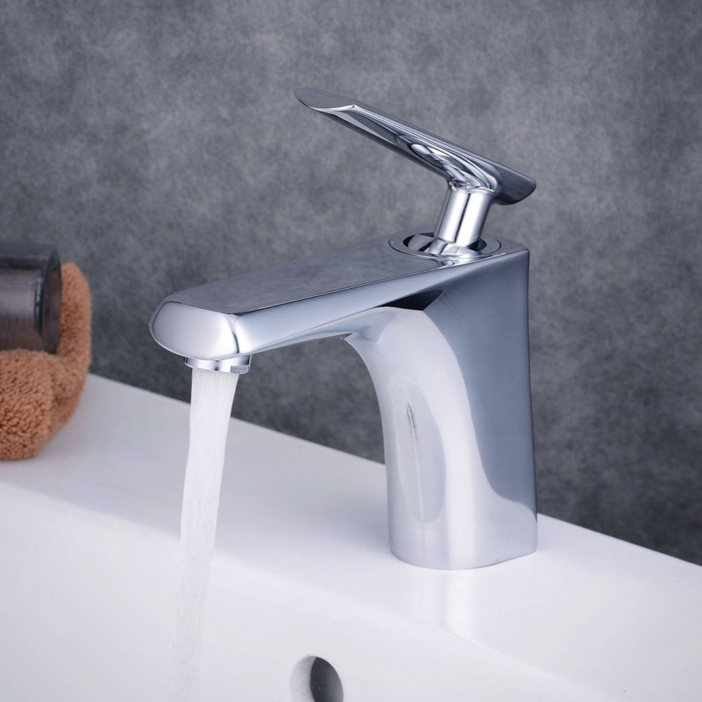 цена на Chrome Brass Bathroom Basin Faucet Counter Top Cold and Hot Water Mixer Tap Sink Single Handle/Hole Bath Room Taps