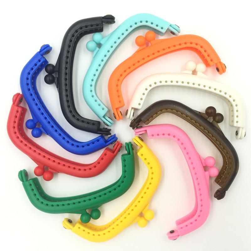 2659b941ed 10Pcs Candy Color Coins Purse Plastic Arc Frame Kiss Clasps Handbag Handle  Lock Clutch 9x5cm