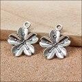 Comercio al por mayor 100 UNIDS Lindo Sakura Flor Encantos de La Joyería DIY de La Vendimia Aleación de Plata Collar Pendiente de la Pulsera Del Encanto Flotante