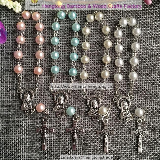 100 unids/pack mezclado azul blanco rosa color de la perla Rosario pulsera mini Cruz benedict Centro Virgen María denario-in Pulseras de tira from Joyería y accesorios    1